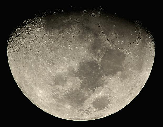 moon77ed2xp24.jpg